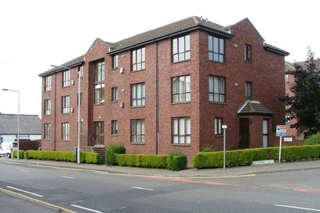 Thumbnail Flat to rent in Rutherford Court, Kirkcaldy