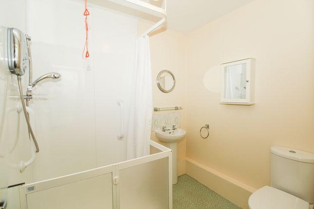 Bathroom of Rednall Close, Holme Hall, Chesterfield S40