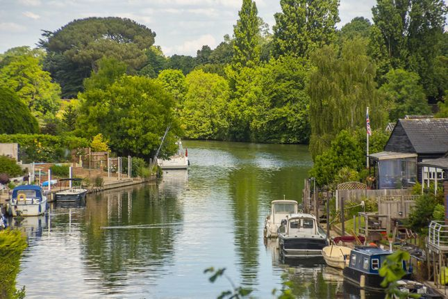 Thumbnail Penthouse for sale in Taggs Boat Yard, Thames Ditton, Surrey