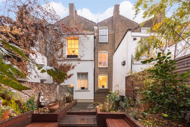 Picture No. 01 of Mitchison Road, Islington, London N1
