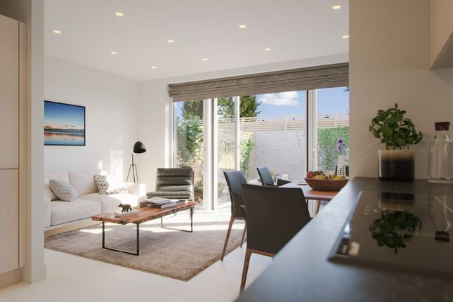Thumbnail Flat for sale in Bourke Close, London