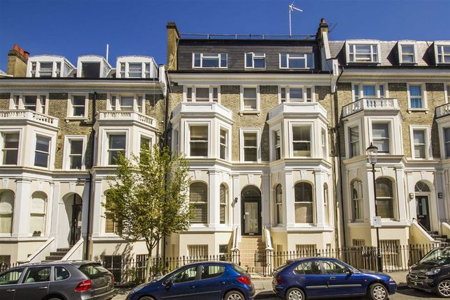 2 bed flat to rent in Campden Hill Gardens, London