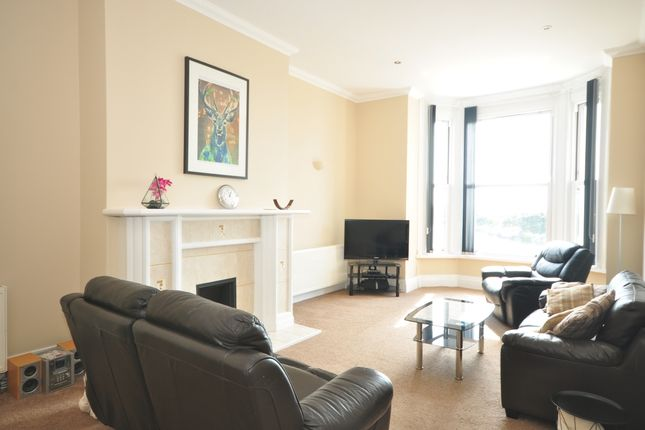 Thumbnail Flat to rent in Osborne Road, Southsea