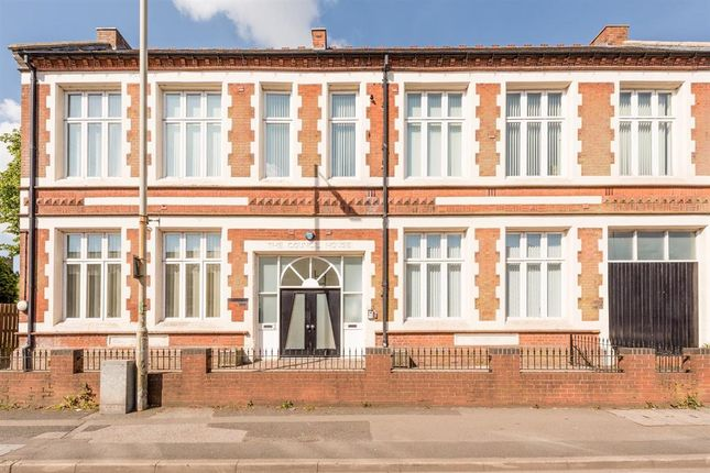 Thumbnail Flat for sale in High Holborn, Sedgley
