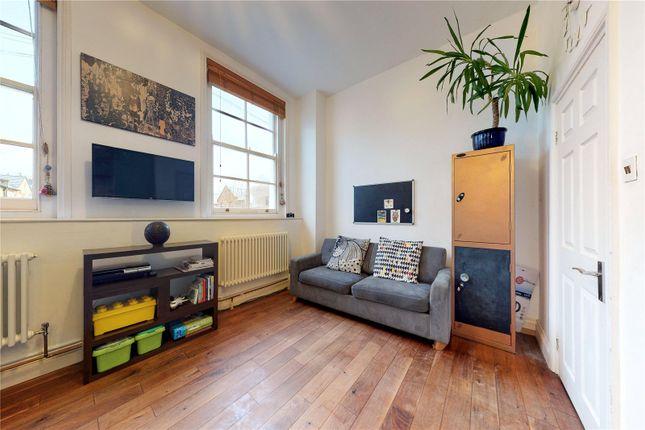 Flat for sale in Balcorne Street, London