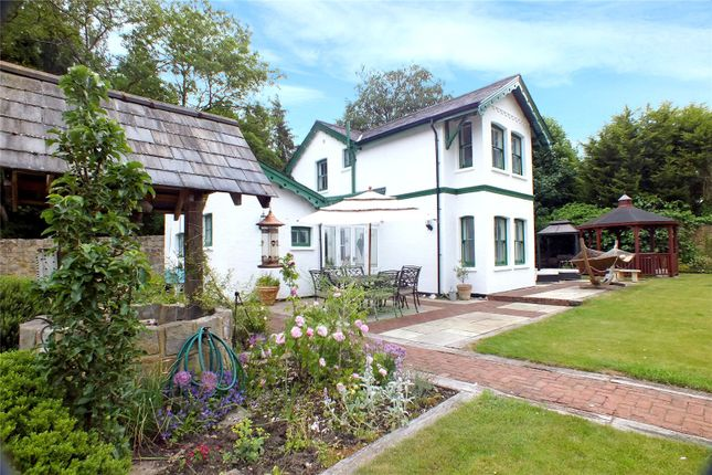 Thumbnail Detached house for sale in Rectory Road, Farnborough, Hampshire