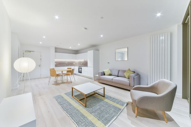 Thumbnail Flat to rent in Commodore House, Royal Wharf, Royal Docks