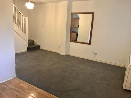 Thumbnail Terraced house to rent in Orchard Close, Wokingham, Berkshire