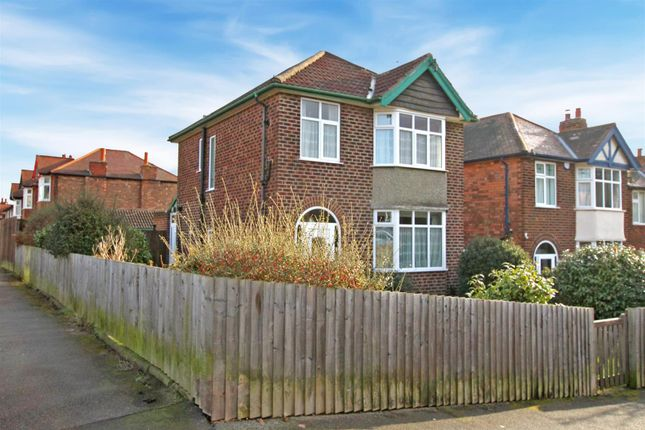 Thumbnail Detached house for sale in Park Avenue, Carlton, Nottingham