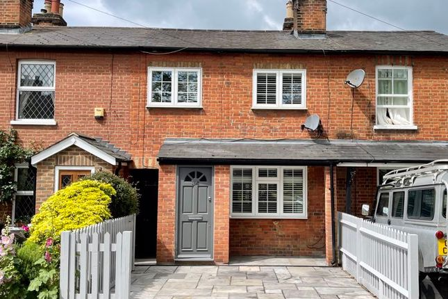 Thumbnail Terraced house for sale in Common Road, Claygate, Esher