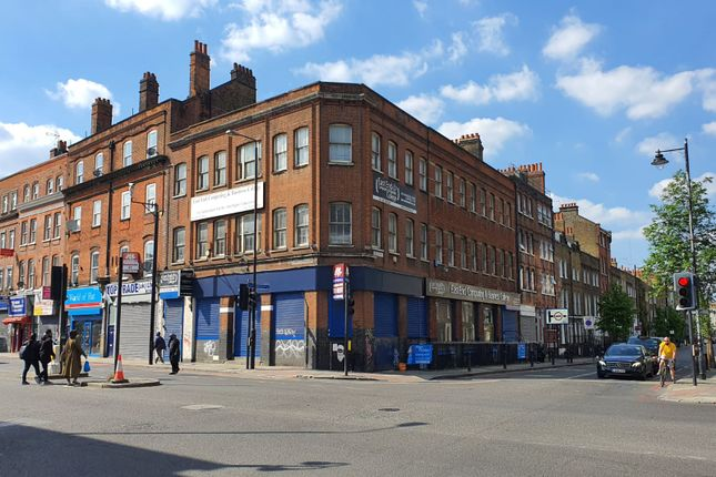 Retail premises to let in Commercial Road, London