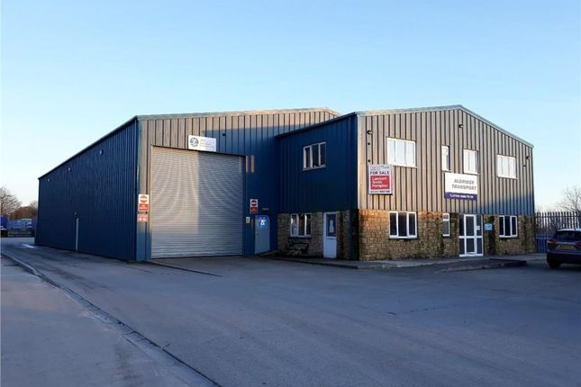 Industrial to let in Scarne Industiral Estate, Launceston