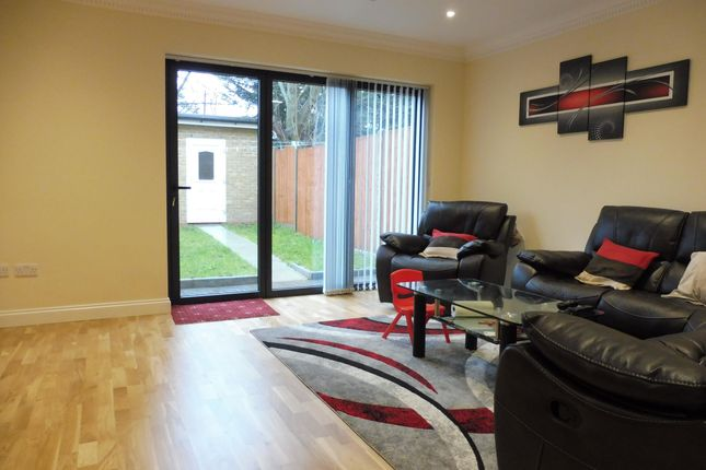 Thumbnail Property to rent in Kingsley Road, Ilford