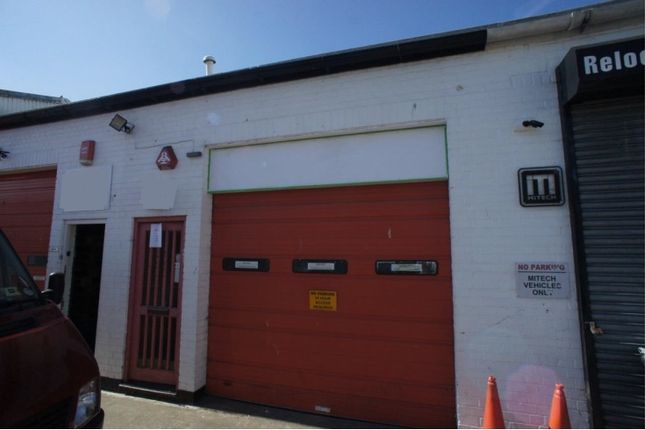 Thumbnail Industrial to let in Stirling Way, Borehamwood, Herts