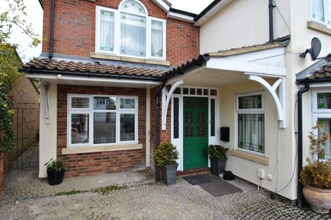 Thumbnail Maisonette to rent in Wymondley Road, Hitchin