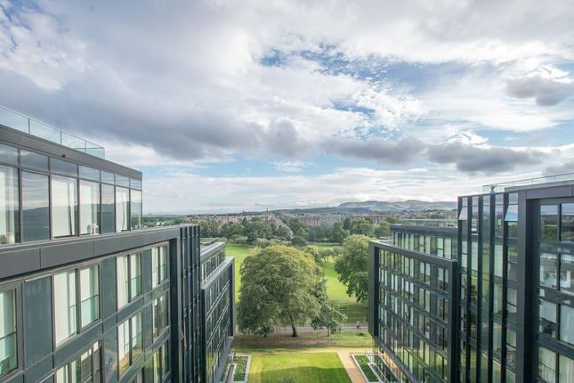 Thumbnail Flat for sale in Simpson Loan, Edinburgh