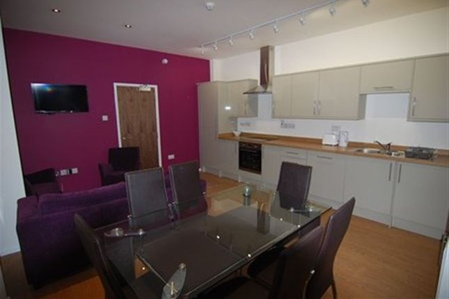 Thumbnail Flat to rent in Park Row, Bristol