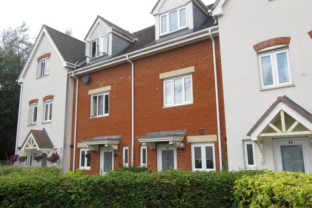 3 bed town house to rent in Ingram Close, Larkfield, Aylesford ME20
