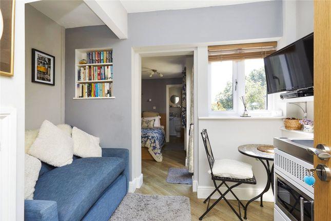 Picture No. 10 of Woodland Cottages, Park Lane, Brook, Godalming GU8