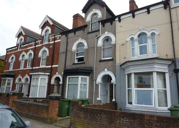 Thumbnail Studio for sale in Grimsby Road, Cleethorpes