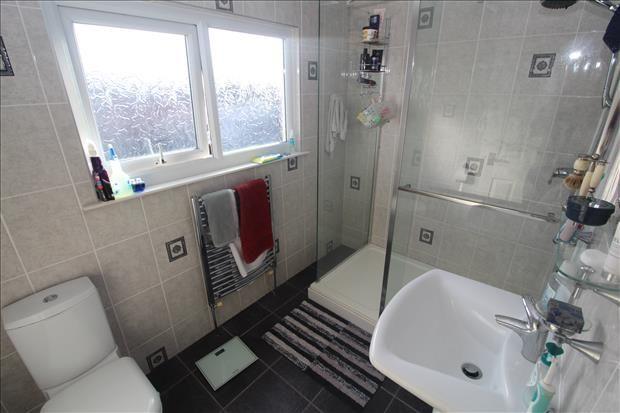 En Suite of Cornwall Avenue, Bispham, Blackpool FY2