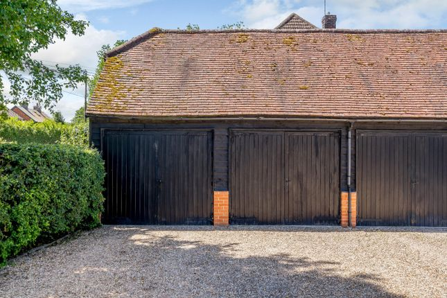 Double Garage of Cherry Trees, Manor Farm, Wanborough, Guildford GU3