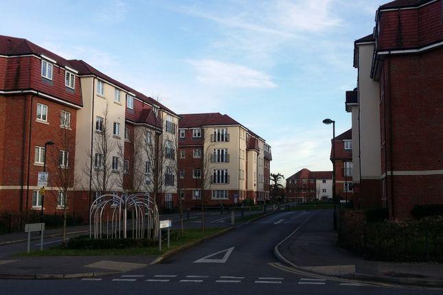 Thumbnail Flat to rent in Schoolgate Drive, Morden, Surrey