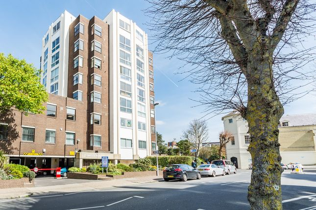 Shelley Road Worthing Bn11 3 Bedroom Flat For Sale