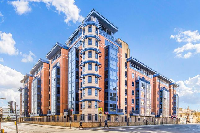 Thumbnail Flat for sale in Charter House, Canute Road, Southampton