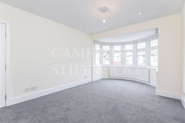3 bed flat to rent in Dewsbury Road, Dollis Hill, London