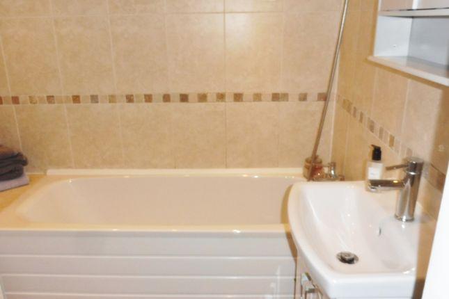 Bathroom of Cross Street, Grimethorpe, Barnsley S72