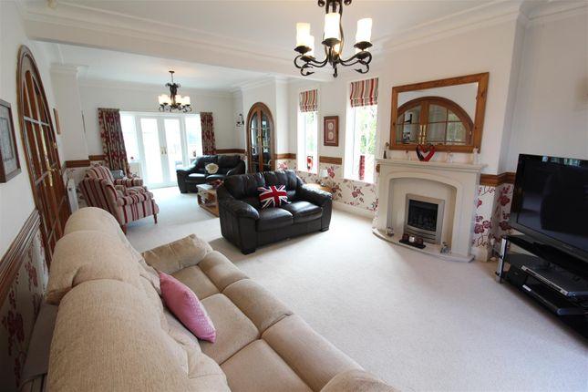 Living Room of Chanterlands Avenue, Hull HU5