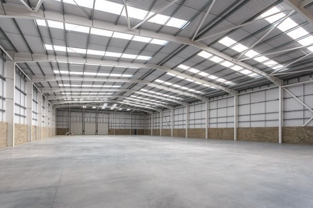 Thumbnail Warehouse to let in Mead Way, Bishop'S Stortford