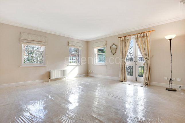 2 bed flat for sale in Finchley Road, Finchley Road, London