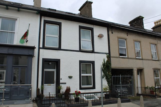 Thumbnail Terraced house for sale in Snowdon St, Porthmadog
