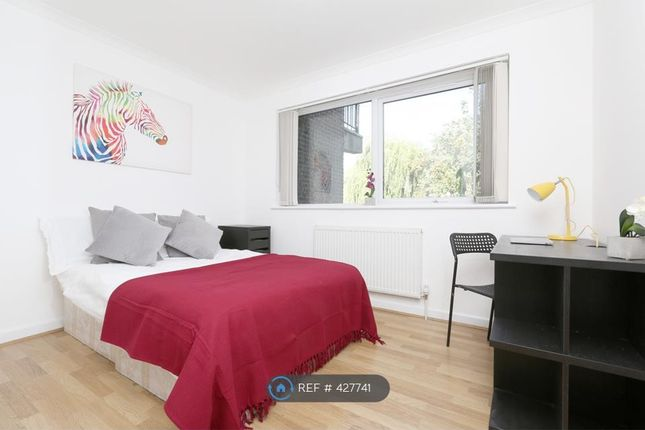 Thumbnail Terraced house to rent in Capstan Square, London
