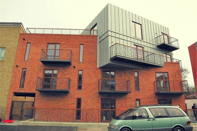 1 bed flat to rent in Pomeroy Street, New Cross SE14
