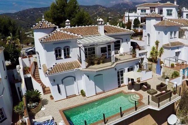 4 bed villa for sale in 29788 Frigiliana, Málaga, Spain - Zoopla