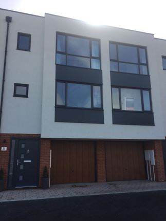 Thumbnail Town house to rent in Millers Hill, Ramsgate
