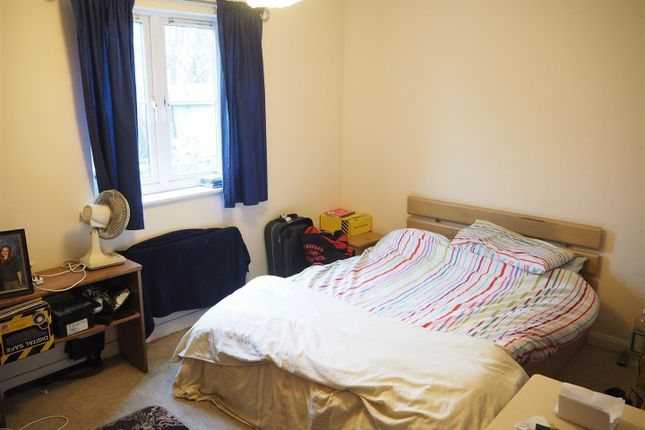 Bedroom 007 of Apple Tree Close, Newark NG24