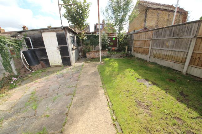 Picture No. 16 of Salisbury Avenue, Stanford-Le-Hope, Essex SS17