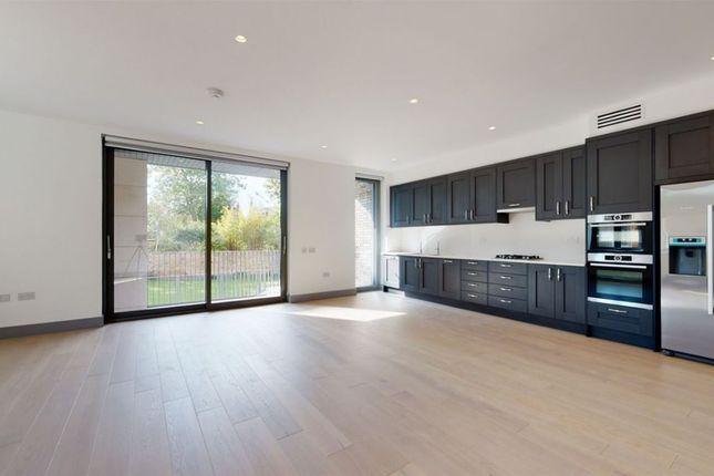 Thumbnail Flat to rent in Carlton Road, London