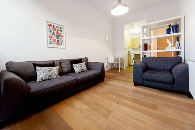 Thumbnail Bungalow to rent in New Park Road, Brixton, London