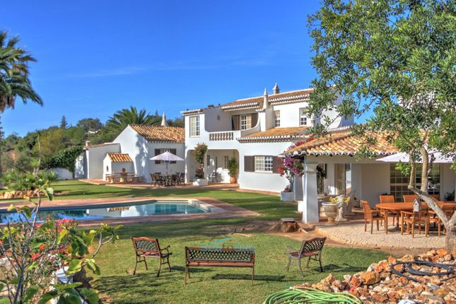 Thumbnail Villa for sale in Estombar, Algarve, Portugal