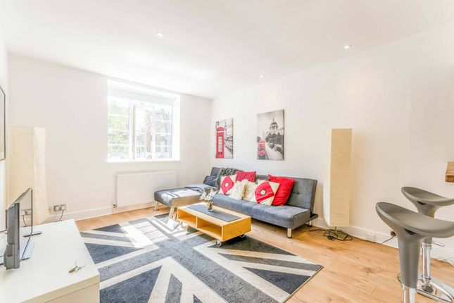 Thumbnail Flat to rent in Angel House, Islington, London
