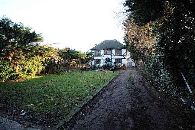 Thumbnail Detached house for sale in Main Road, Gidea Park, Romford