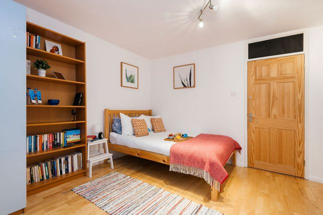 Thumbnail Flat to rent in Manneby Prior, Cumming Street, London, Greater London
