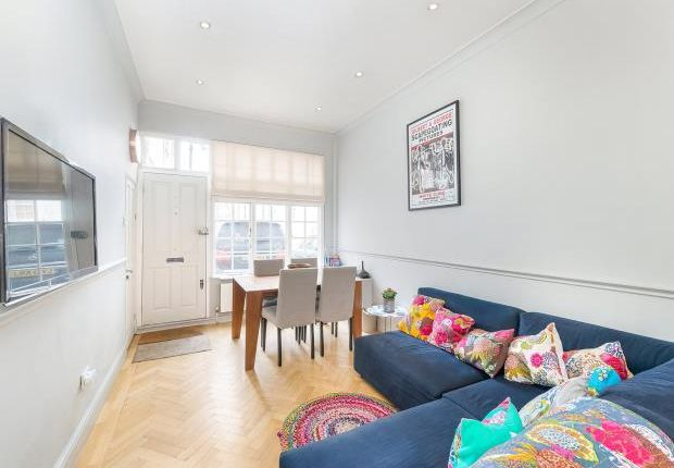 Thumbnail Mews house to rent in St. George's Square Mews, Pimlico