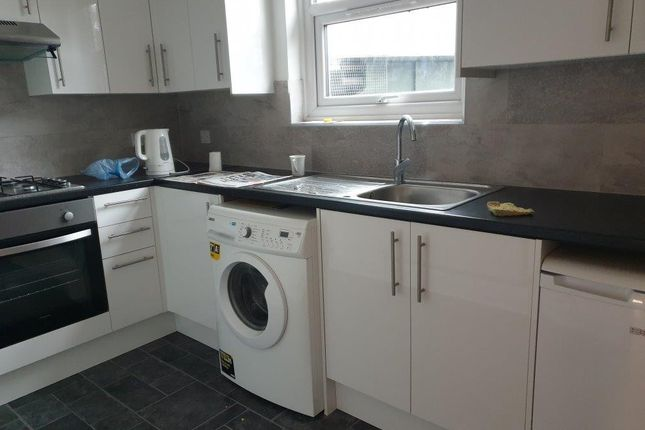 Thumbnail Duplex to rent in Dagnall Park, South Norwood