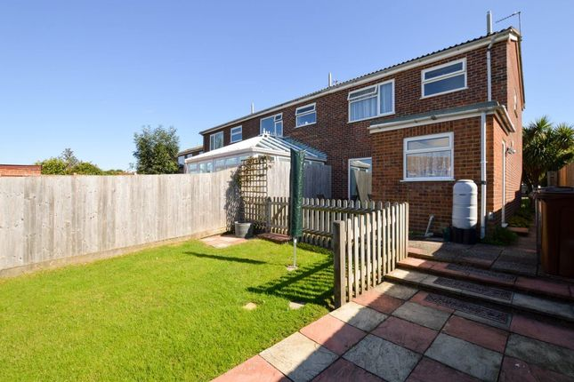Thumbnail Property to rent in Bramble Close, Eastbourne